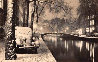 Ansichtkaart Amsterdam Haarlem Prachtige reclame fotokaart Gerard A. v.d. Steur Kleermakerij Kruisstraat 7 Nieuwjaarskaart Auto in de sneeuw 1952 HC11342