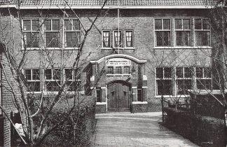Ansichtkaart 's-Gravenzande Christelijke school voor l.o. en u.l.o. aan de Sandambachtstraat HC11780