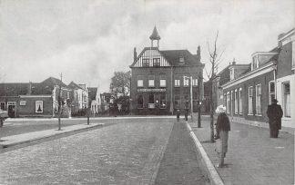 Ansichtkaart 's-Gravenzande Vaartplein met Postkantoor HC11781