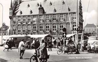 Ansichtkaart Gouda Markt en Stadhuis 1969 HC11788