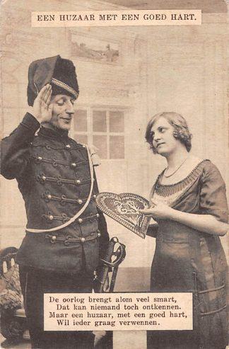 Ansichtkaart Militair Mobilisatie WO1 1914 - 1918 Een huzaar met een goed hart HC11876