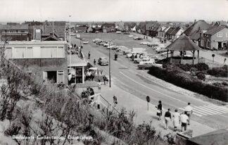 Ansichtkaart Callantsoog Dorpsplein 1962 HC12030