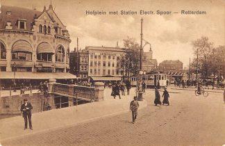 Ansichtkaart Rotterdam Hofplein met Station Z.H.E.S.M. Spoorwegen Café Restaurant Loos en De Kroon RETM tram  HC12238