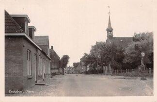 Ansichtkaart Diever Kruisstraat Gereformeerde Kerk ESSO Benzinepomp 1949 Westerveld Drenthe HC12588