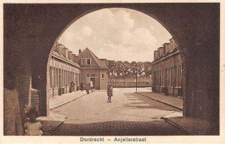 Ansichtkaart Dordrecht Anjelierstraat HC12849