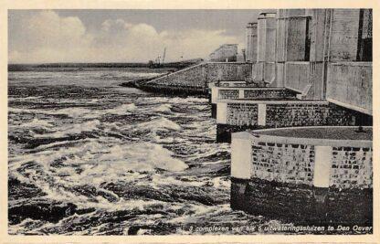 Ansichtkaart Den Oever 3 complexen van elk 5 uitwateringssluizen Afsluitdijk Wieringen IJsselmeer HC12976