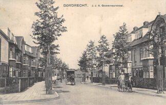 Ansichtkaart Dordrecht J.J.A. Gouverneurstraat Paard en wagen HC12997