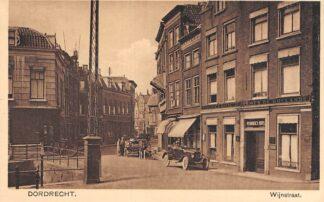 Ansichtkaart Dordrecht Wijnstraat Pennock's Hotel au Armes de Hollande Auto HC13015