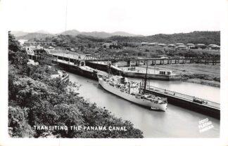 Ansichtkaart Panama Transiting the Panama Canal Scheepvaart Schepen Noord-Amerika America HC13058
