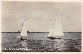 Ansichtkaart Loosdrecht Zeilen op de Loosdrechtsche Plassen 1939 HC13180
