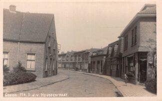 Ansichtkaart Gouda Mr. D.J. v. Heusdestraat hoek St. Jozefstraat Prachtige fotokaart HC13347