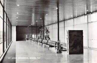 Ansichtkaart Gouda Graaf Florisweg Inmiddels gesloopte hal van de nieuwbouw van het St. Jozef Paviljoen HC13361