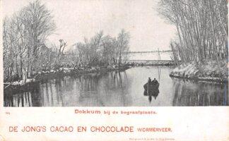 Ansichtkaart Dokkum Bij de begraafplaats Reclame De Jong's Cacao en Chocolade Wormerveer HC13578