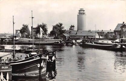 Ansichtkaart Terneuzen Oostkolk met vuurtoren Binnenvaart schepen Balboa DiJa Trio Scheepvaart 1967 HC13646