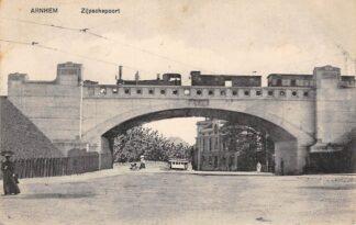 Ansichtkaart Arnhem Zijpschepoort met stoomlocomotief Spoorwegen Treinen HC13909