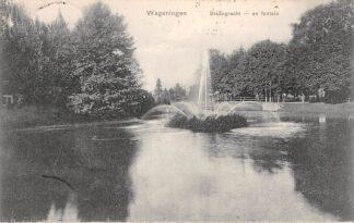 Ansichtkaart Wageningen Stadsgracht en fontein 1908 HC13955