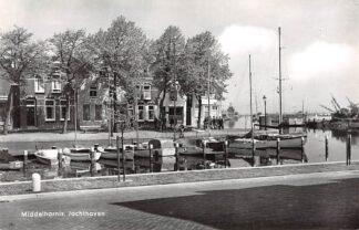 Ansichtkaart Middelharnis Jachthaven met schepen 1971 HC14045