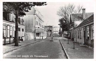 Ansichtkaart Domburg Noordstraat met gezicht o/h Vacantieoord 1954 Vacantie- en Herstellingsoord van de Incasso Bank HC14115