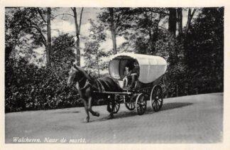 Ansichtkaart Walcheren Middelburg Met de huifkar naar de markt Paard en wagen HC14116