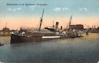Ansichtkaart Rotterdam Rijnhaven Zuidzijde met rolletjesboot de Flandria waarvan de lasing was gaan schuiven Scheepvaart Schepen HC14175
