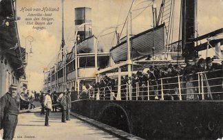 Ansichtkaart Hoek van Holland Amerika-boot aan den steiger Het lossen der bagage 1907Holland America Line Scheepvaart HC14220