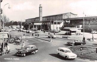 Ansichtkaart Hengelo (OV) Station Auto Spoorwegen 1967 HC14599