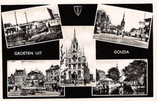 Ansichtkaart Gouda Groeten uit 1960 Haastrechtse brug Stolwijkersluis Kleiweg Kaasmarkt Stadhuis en Gouwe HC14663