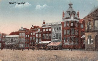 Ansichtkaart Gouda Markt Bank Goedewaagen Cafe Hotel Gompers HC14764