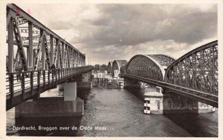 Ansichtkaart Dordrecht Bruggen over de Oude Maas Zwijndrecht Spoorbrug Spoorwegen 1942 HC14801