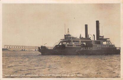 Ansichtkaart Moerdijk Veer pont Willemsdorp Hollandsch Diep Verkeers- en Spoorbrug 1936 Binnenvaart schepen Scheepvaart HC14804