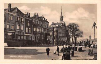 Ansichtkaart Dordrecht Merwedekade 1938 Binnenvaart schepen Scheepvaart Watertoren van Zwijndrecht HC14863