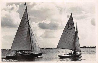 Ansichtkaart Loosdrecht Op de Plassen Zeil schepen Hilversum 1945 HC15026