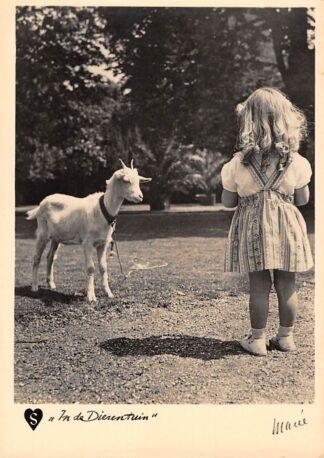 Ansichtkaart Fantasie Hartediefjes In de dierentuin Kind met geit 1941 HC15044