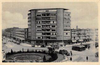 Ansichtkaart Schiedam Flatgebouw N.V. HEMA Bus station Tram Auto 1940 HC15335