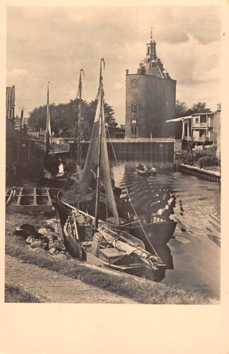 Ansichtkaart Enkhuizen Havengezicht met Drommedaris Vissers schepen 1952 HC15383