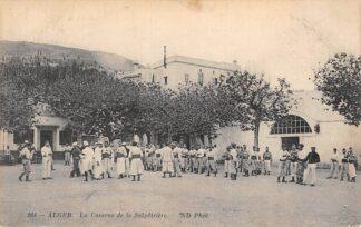 Ansichtkaart Algerije La Caserne de la Salpetriere Alger Afrika Militair HC15490