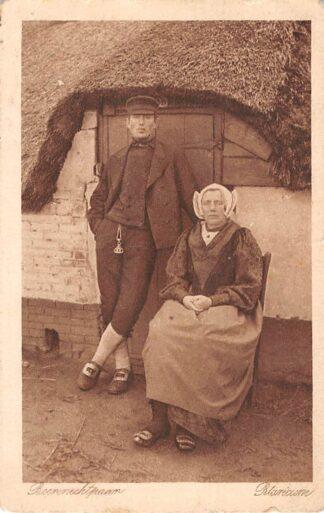 Ansichtkaart Blaricum Boeren echtepaar in klederdracht HC15543