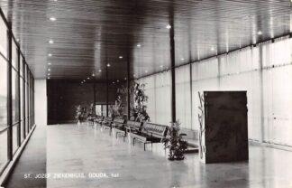 Ansichtkaart Gouda Graaf Florisweg St. Jozef Paviljoen Hal van de inmiddels gesloopte nieuwbouw 1973 HC15755