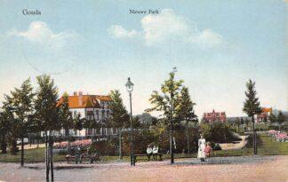 Ansichtkaart Gouda Van Bergen IJzendoorn Park Nieuwe Park 1920 Gompers HC15828