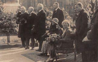 Ansichtkaart Koninklijk Huis Fotokaart bezoek Koningin Wilhelmina en Juliana 22 april 1933 HC15919