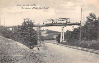 Ansichtkaart Berg en Dal - Beek (GD) Bergspoor Mooi Nederland met tram 1915 Nijmegen HC16056