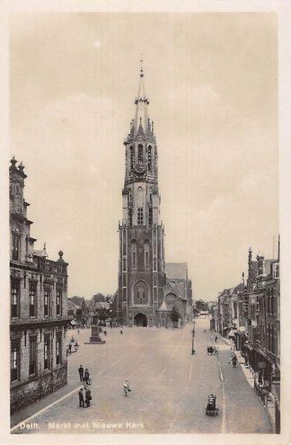 Ansichtkaart Delft Markt met Nieuwe Kerk HC16141