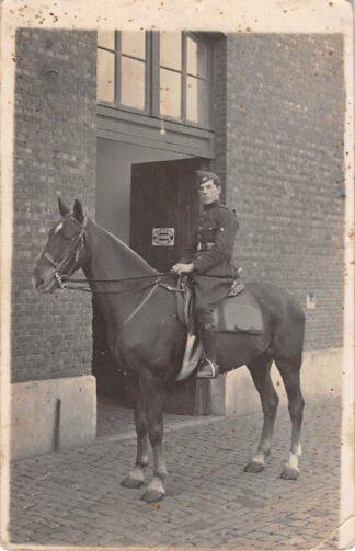Ansichtkaart Belgie Militair Fotokaart soldaat te paard Europa HC16143