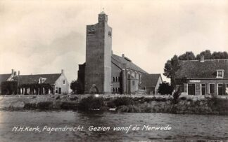 Ansichtkaart Papendrecht N.H. Kerk gezien vanaf de Merwede HC16275