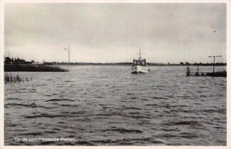 Ansichtkaart Loosdrecht Op de Loosdrechtsche Plassen Motorboot HC16300