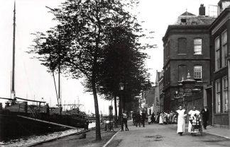 Ansichtkaart Zo was Dordrecht Buitenwalevest omstreeks 1910 HC16923