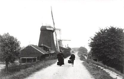 Ansichtkaart Zo was Dordrecht Noordendijk met molen omstreeks 1905 HC16951