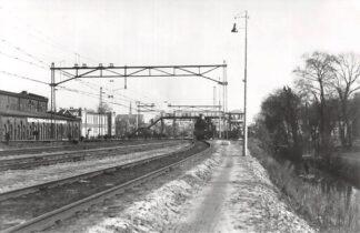Ansichtkaart Zo was Dordrecht Langs Watermolenwei naar overweg Krispijn 1936 Spoorwegen HC16979