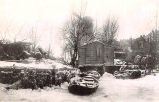 Ansichtkaart Zo was Dordrecht Haventje aan de Lijnbaan Molen Kijk ook over den Dijk in de winter omstreeks 1905 HC17013