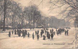 Ansichtkaart Gouda Fluweelensingel IJsvermaak Schaatsen Winter Gompers HC17071